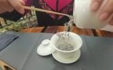 喝张家界莓茶  育土家族娃娃