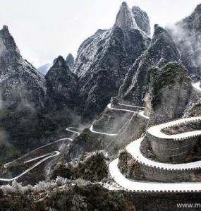天门山,雪落下的声音。太美了!