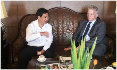 张家界市委副书记刘绍建会见英国布里斯托旅游局局长