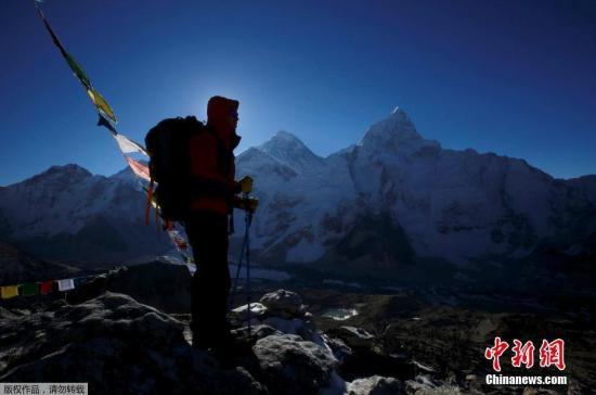 珠峰8000米死亡地带现拥堵 春季登山季已14人丧生