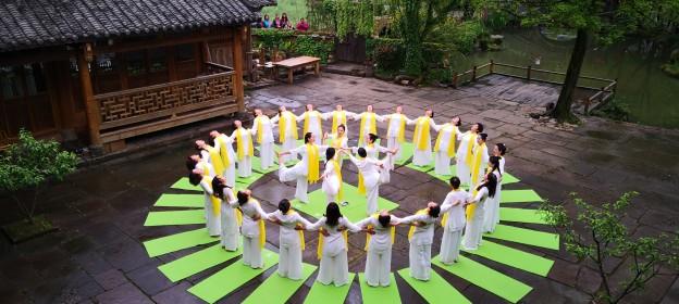 【春意盎然】張家界黃龍古寨瑜伽秀